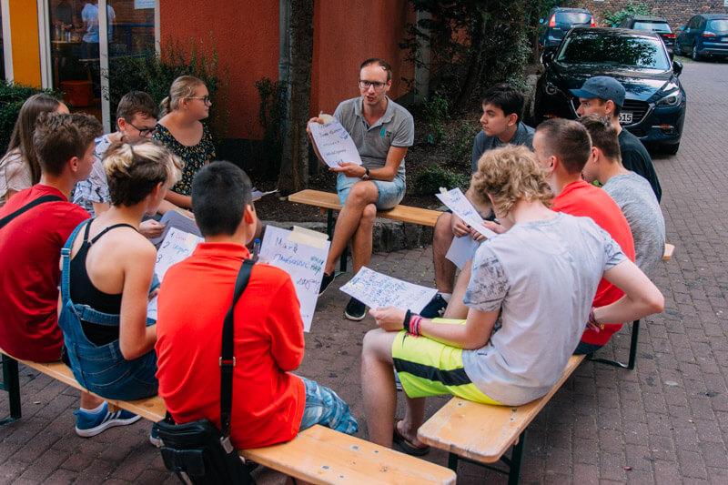 Разговорные клубы и интенсивные курсы немецкого языка для школьников в drb.